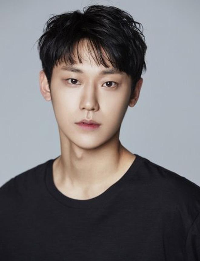 Lee Do Hyun - Mỹ nam 9x nỗ lực nuôi em tàn tật, trả nợ cho gia đình-3