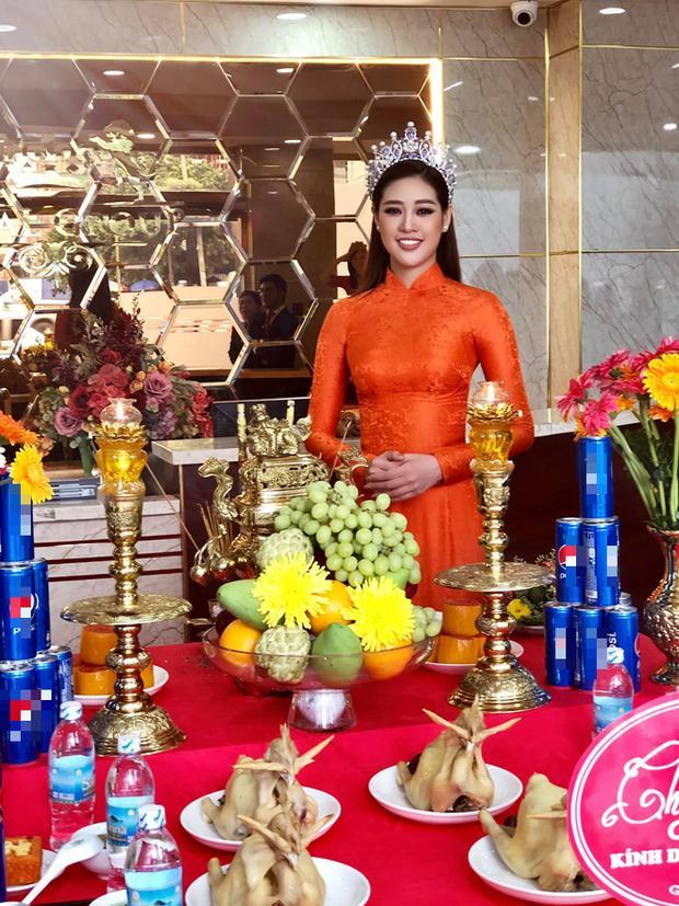 Sao Việt cúng Tổ nghề: Diệu Nhi mặc đầm sát nách - Phi Thanh Vân diện áo dài ren đỏ rực rỡ-5