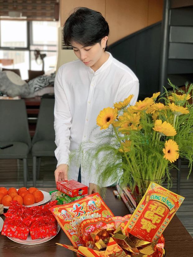 Sao Việt cúng Tổ nghề: Diệu Nhi mặc đầm sát nách - Phi Thanh Vân diện áo dài ren đỏ rực rỡ-8