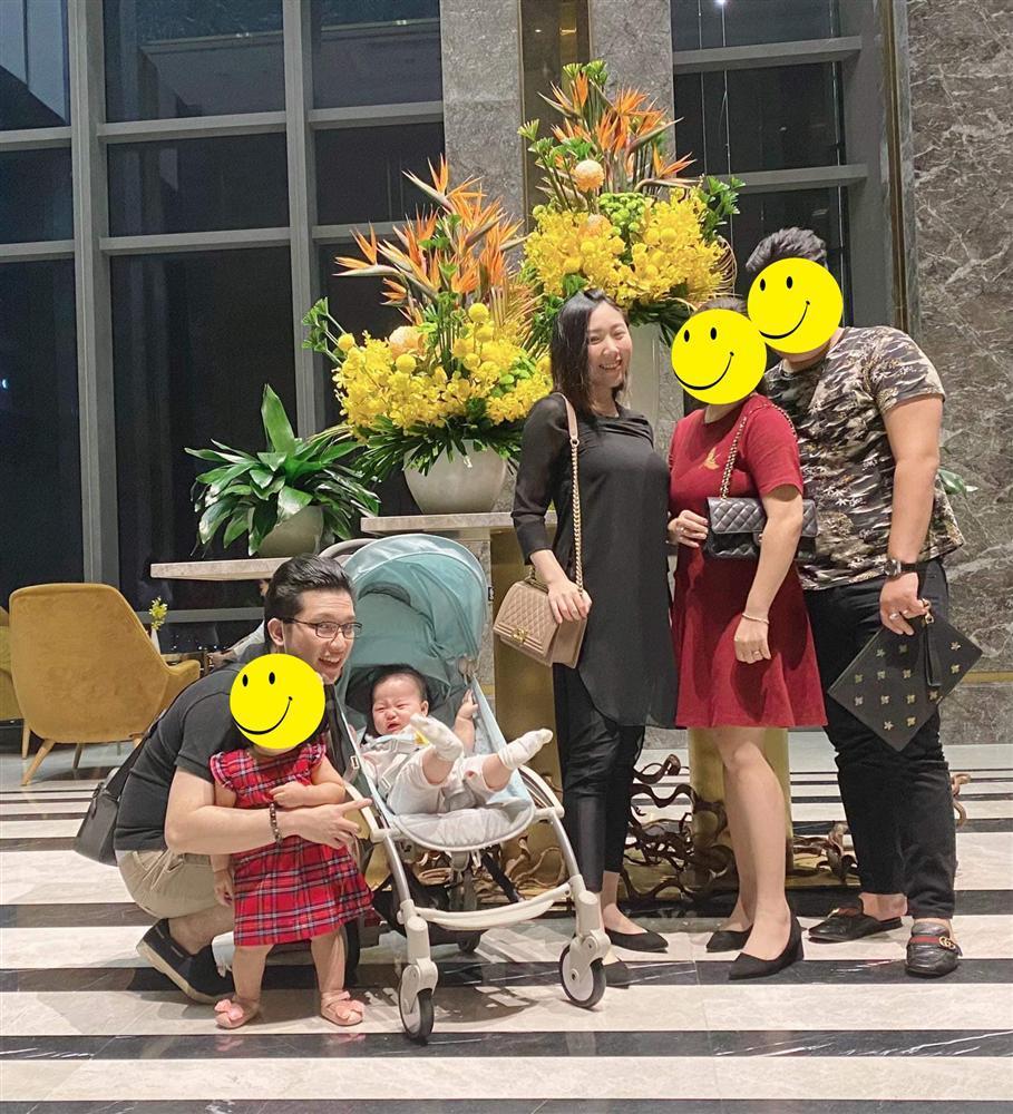 Mải sống ảo, em gái Trấn Thành bị chị dâu Hari Won nhắc nhở chuyện trông con-1