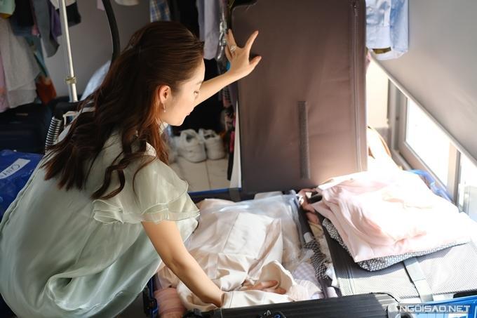 Dương Cẩm Lynh mất 3 ngày quên ăn uống để lựa trang phục hàng hiệu cho vai diễn mới-1