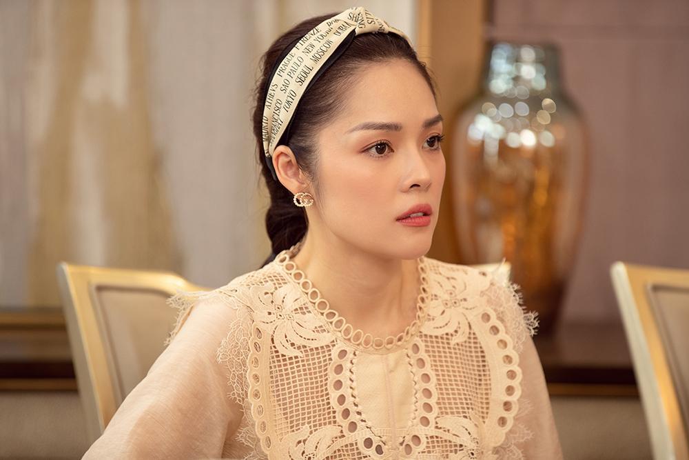 Dương Cẩm Lynh mất 3 ngày quên ăn uống để lựa trang phục hàng hiệu cho vai diễn mới-3