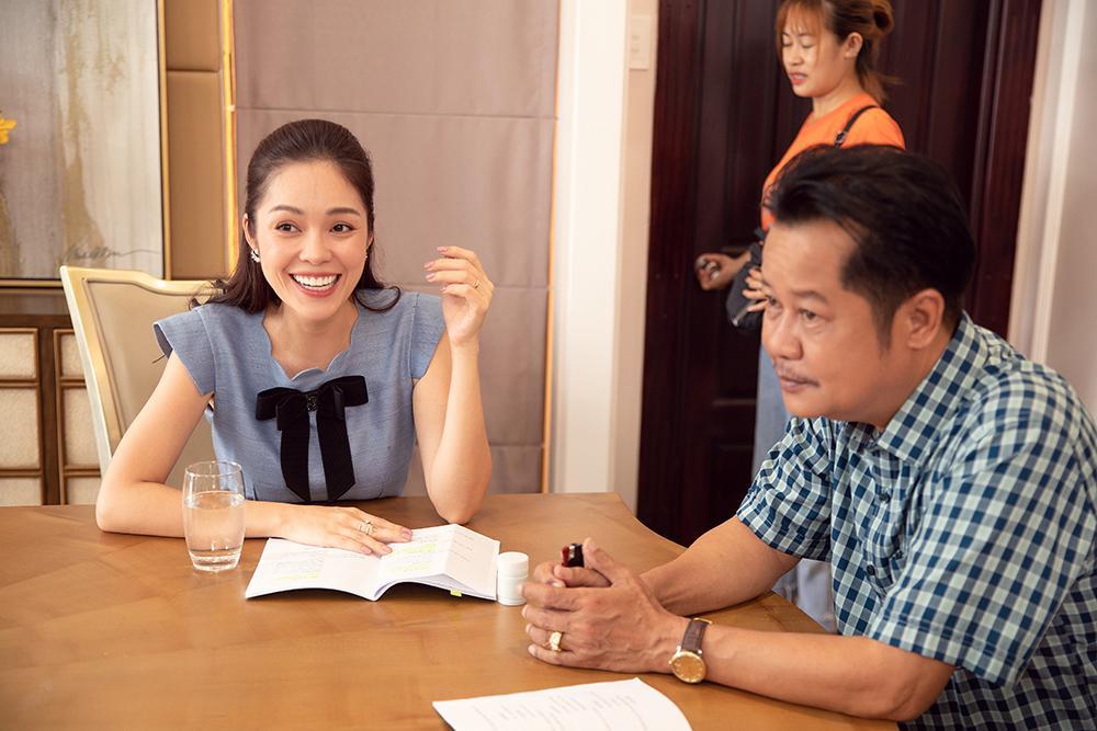Dương Cẩm Lynh mất 3 ngày quên ăn uống để lựa trang phục hàng hiệu cho vai diễn mới-6