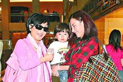 Mối quan hệ giữa Trương Bá Chi và mẹ Tạ Đình Phong chỉ tốt lên sau khi 2 vợ chồng ly hôn, hóa ra vì nguyên nhân này?
