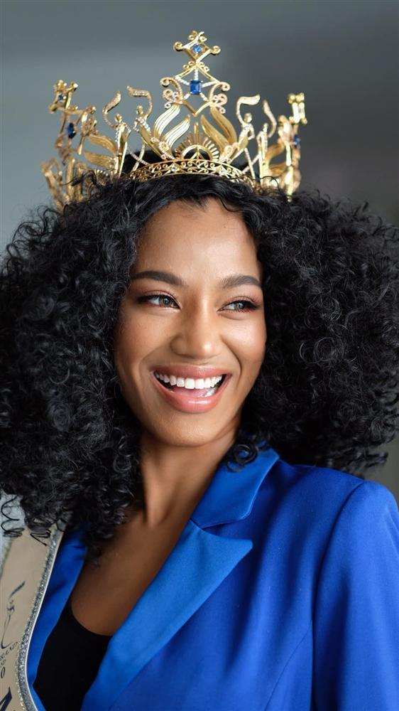 Nhan sắc tân Miss Grand Thailand 2020 nhìn giống y chang Diệu Nhi đội vương miện-13