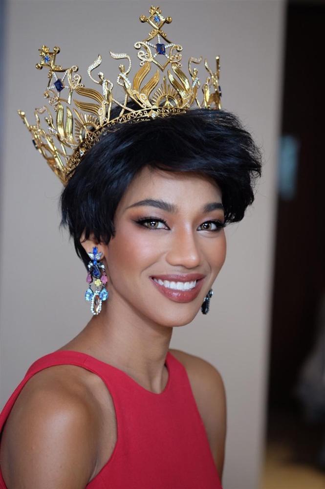 Nhan sắc tân Miss Grand Thailand 2020 nhìn giống y chang Diệu Nhi đội vương miện-12