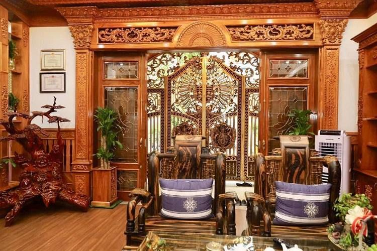 Bí ẩn chủ nhân căn biệt thự phủ gỗ từ đầu tới chân ở Hà Nội gây xôn xao-4