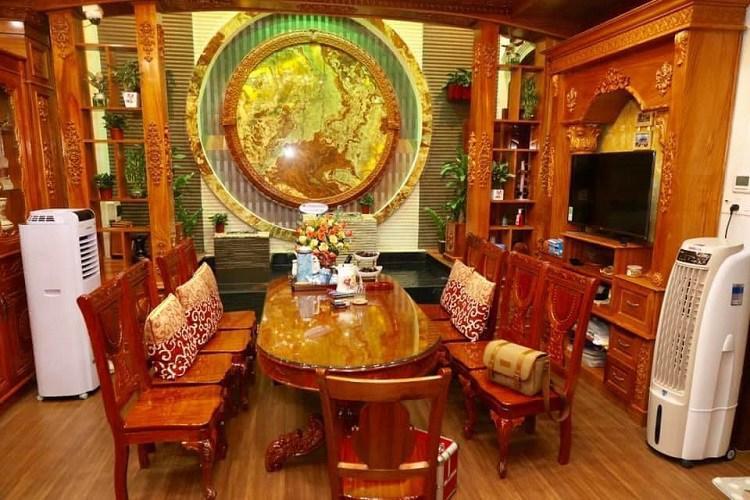 Bí ẩn chủ nhân căn biệt thự phủ gỗ từ đầu tới chân ở Hà Nội gây xôn xao-5