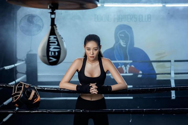 Hóa thành boxing girl: Ngọc Trinh, Thủy Top, Hà Hồ siêu ngầu, riêng Ngân 98 nude thô thiển-16
