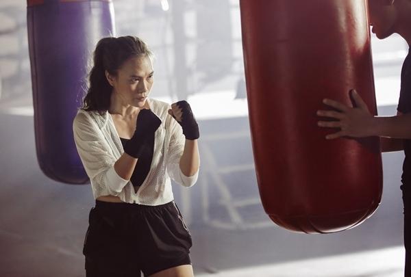 Hóa thành boxing girl: Ngọc Trinh, Thủy Top, Hà Hồ siêu ngầu, riêng Ngân 98 nude thô thiển-18