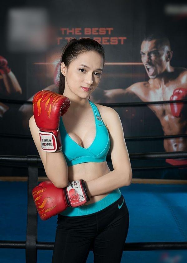 Hóa thành boxing girl: Ngọc Trinh, Thủy Top, Hà Hồ siêu ngầu, riêng Ngân 98 nude thô thiển-14