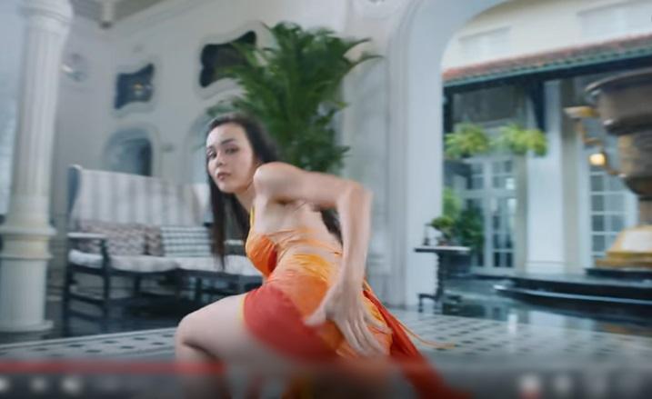 Nhảy cực sung trong MV Cá cắn câu, Mlee lộ hàng mà không hay biết-3