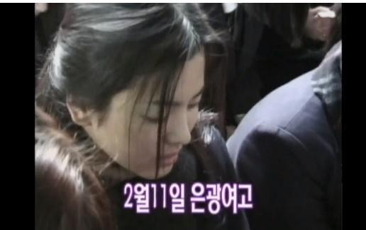 Truyền thông Hàn Quốc đào mộ loạt khoảnh khắc thời là học sinh cấp 3 của Song Hye Kyo và Jeon Ji Hyun-1