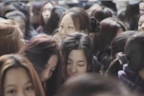 Truyền thông Hàn Quốc đào mộ loạt khoảnh khắc thời là học sinh cấp 3 của Song Hye Kyo và Jeon Ji Hyun-2