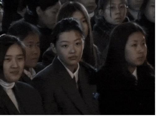 Truyền thông Hàn Quốc đào mộ loạt khoảnh khắc thời là học sinh cấp 3 của Song Hye Kyo và Jeon Ji Hyun-3