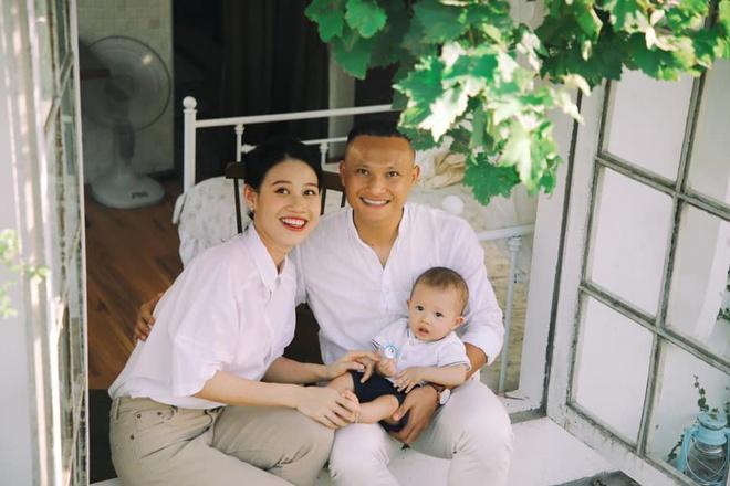 Duy Mạnh, Trọng Hoàng khoe ảnh Trung Thu bên vợ con-1