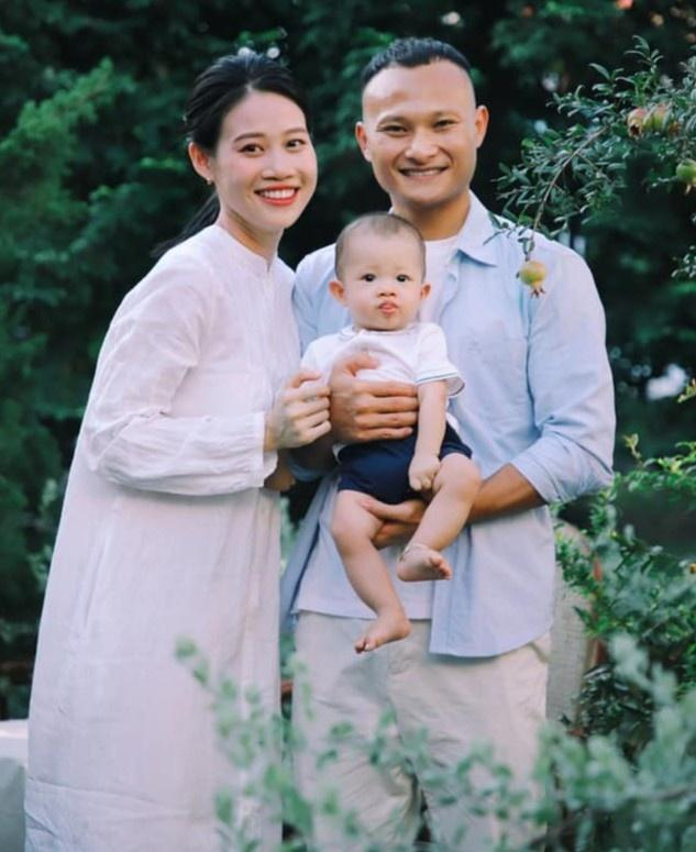 Duy Mạnh, Trọng Hoàng khoe ảnh Trung Thu bên vợ con-2