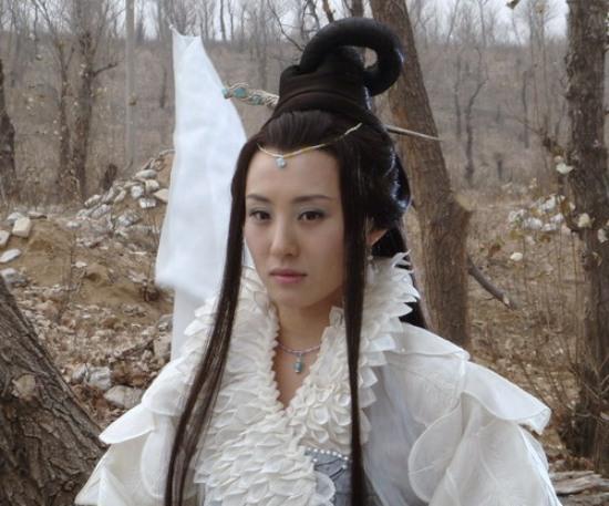 3 nàng Hằng Nga xấu nhất màn ảnh: người giống yêu tinh, kẻ quê mùa sến súa-5