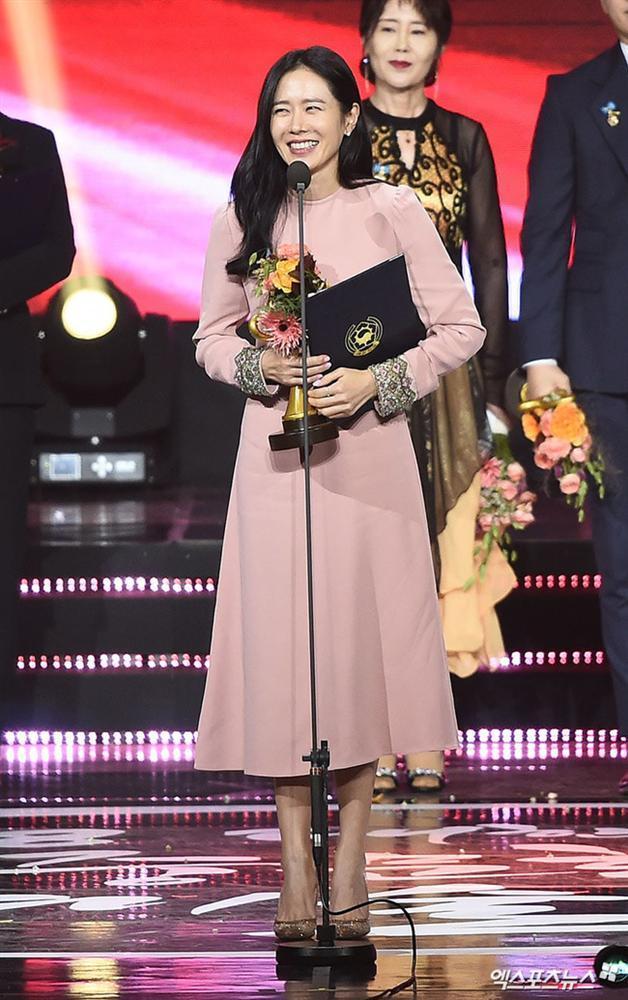 Hạ cánh nơi anh được đề cử giải thưởng lớn: Hyun Bin tranh suất, Son Ye Jin vắng mặt không rõ lý do-6