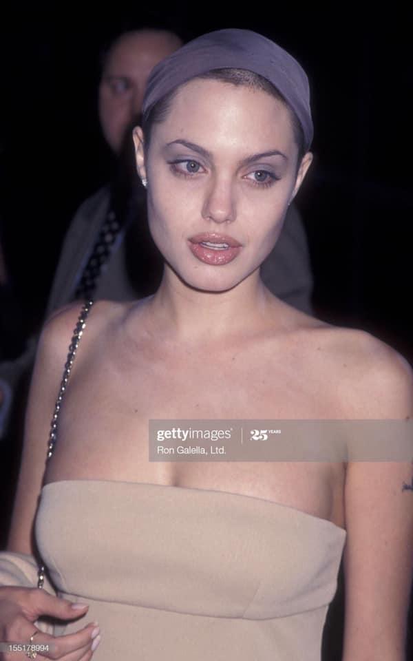 Rần rần hình Angelina Jolie xinh đẹp kiều diễm nhưng hóa ra chỉ là một cú lừa-6