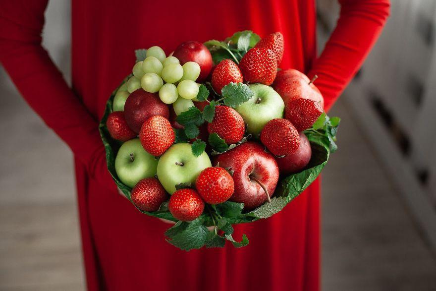 Hội chị em trổ tài cắm hoa bằng rau củ đẹp lạ, chơi chán thì mang nấu ăn-6