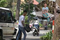 Đại gia Minh Nhựa gây tranh cãi khi lái siêu xe chục tỷ trên phố để nhặt rác