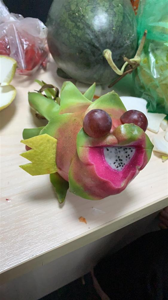 Hậu Trung thu, cô nàng khoe phần thi tỉa trái cây hết hồn nhưng giải thưởng lại gây bất ngờ-2