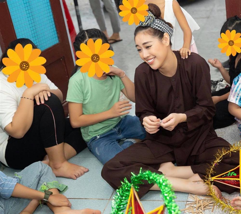 Hoa hậu Khánh Vân bị chỉ trích làm màu từ thiện: Sự thật bất ngờ!-2