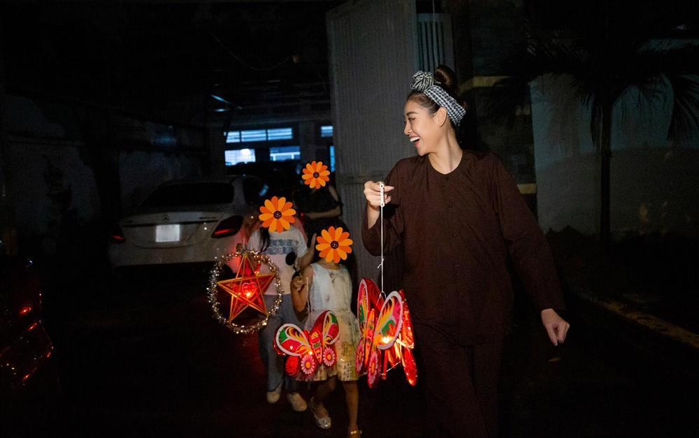 Hoa hậu Khánh Vân bị chỉ trích làm màu từ thiện: Sự thật bất ngờ!-3