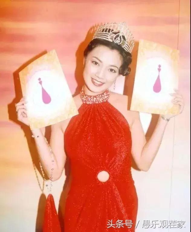 Hoa hậu Hong Kong bị chê xấu, từng cầm cố vương miện trả nợ bây giờ ra sao?-4