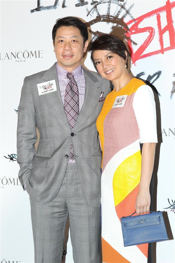 Hoa hậu Hong Kong bị chê xấu, từng cầm cố vương miện trả nợ bây giờ ra sao?-7