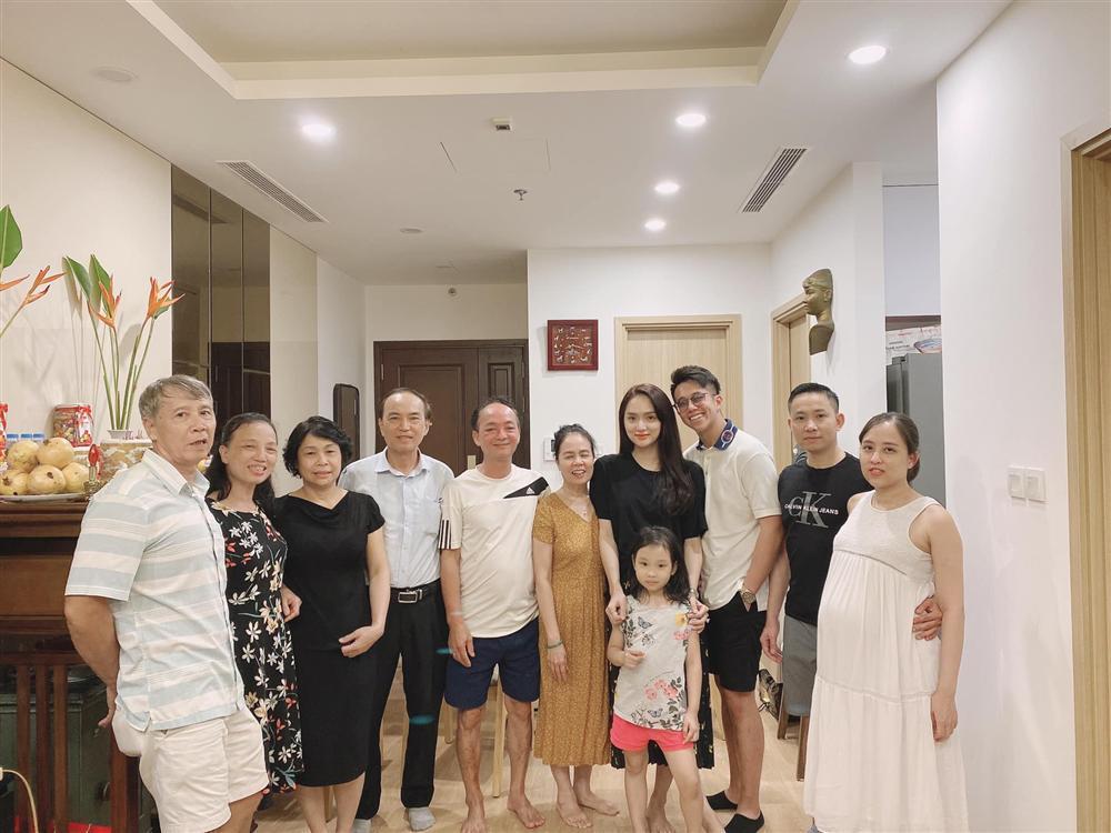 HOT: Matt Liu chính thức ra mắt đại gia đình Hương Giang tại Hà Nội-2