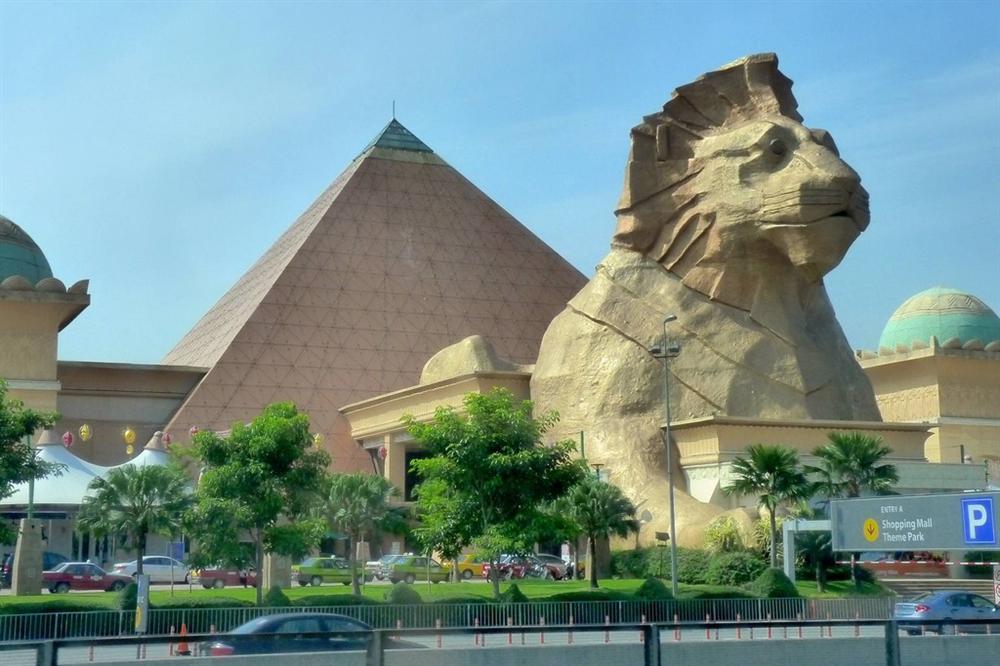 Vẻ đẹp của các kim tự tháp thời hiện đại-7