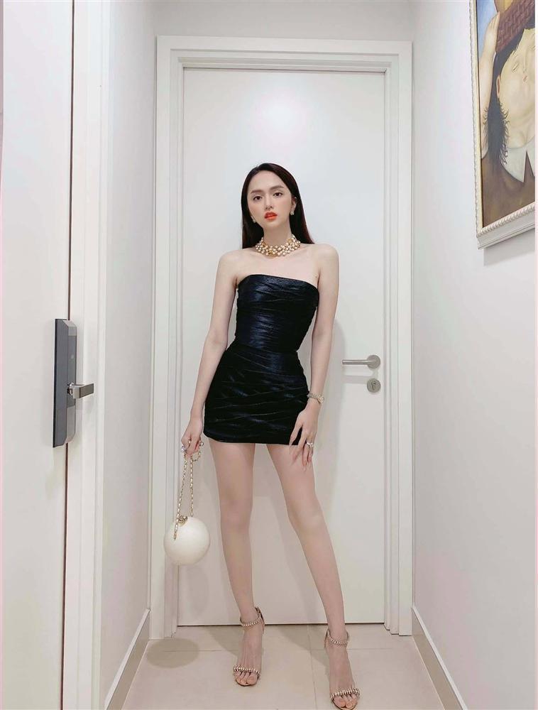 Cứ mỗi lần ngồi xe sang, Hương Giang lại chiêu đãi fan xu hướng thời trang mới-10