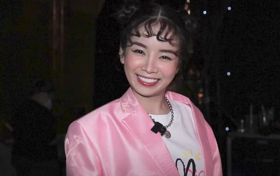 Hồng Thanh trốn chui trốn nhủi vào hậu trường Rap Việt để gặp bằng được bạn gái DJ Mie-7
