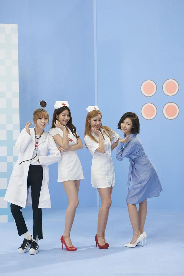 Jennie (BLACKPINK) gây tranh cãi vì tạo hình phản cảm, lộ đùi trắng nõn trong MV mới, netizen Hàn đang quá khắt khe?-5