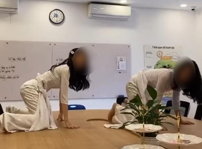 Nữ sinh Tây Ninh bị dội bom khi mặc áo dài nhảy nhót phản cảm trên bàn làm việc giáo viên-1