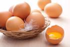 Vỏ trứng bị bẩn có nên rửa rồi mới cất? Nhiều người làm sai nên vi khuẩn xâm nhập