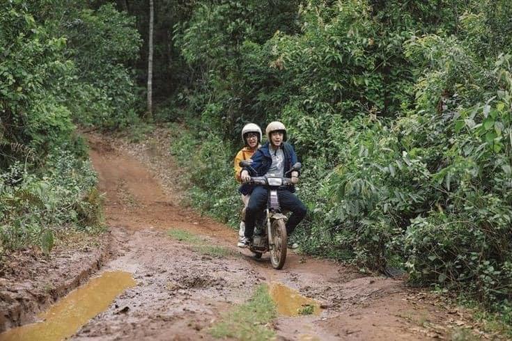 Ham hố phóng xe lội bùn phá đảo Đà Lạt, cặp trai gái nhận cái kết chổng vó lên trời-1