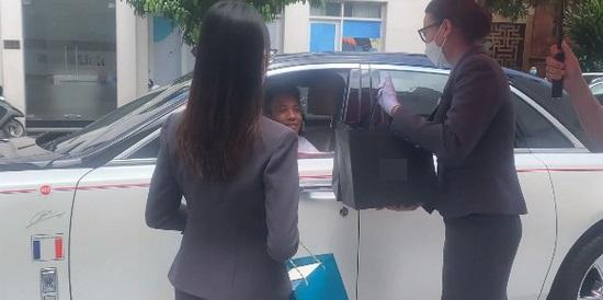 Minh Nhựa và vợ cũ chứng tỏ đẳng cấp đại gia, tặng con gái combo 3 đồng hồ tiền tỷ-6