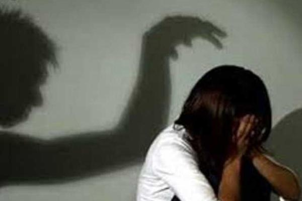 Thiếu niên 16 tuổi phạm tội hiếp dâm vì vượt rào với bạn gái 11 tuổi-1