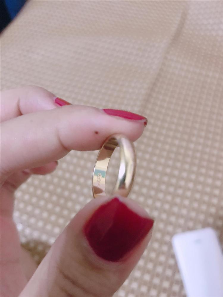 Mời bạn thân đến ăn cưới, cô dâu Nghệ An ngỡ ngàng về món quà khủng-1