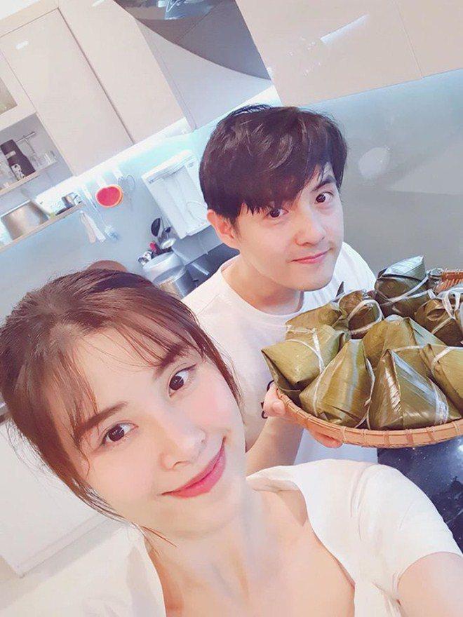3 nàng dâu showbiz Việt giàu nứt vách vẫn hì hục vào bếp nấu ăn lúc bụng bầu khệ nệ-5