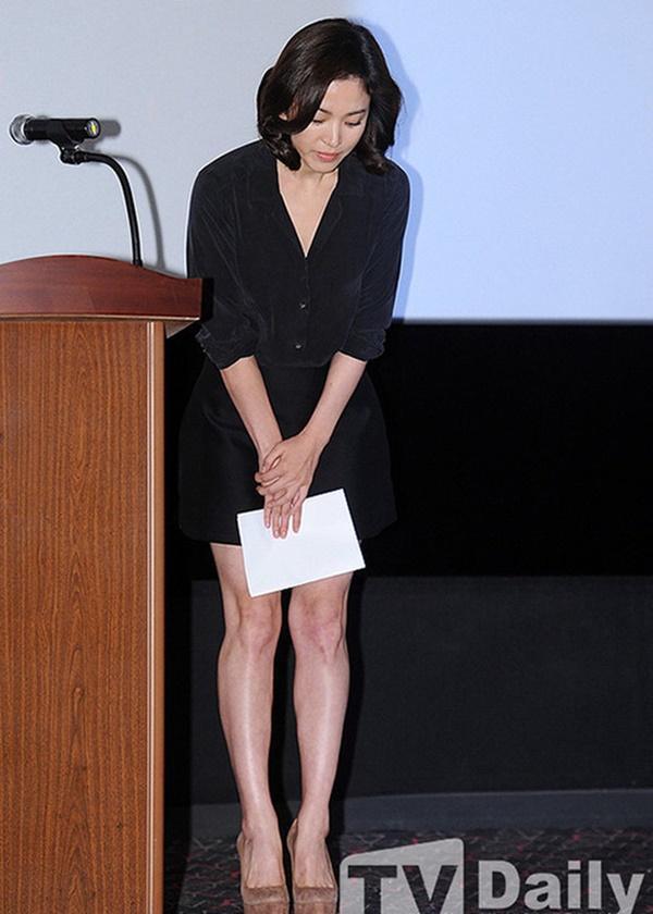 Phim rating kỷ lục giúp cả dàn sao đổi đời: Bae Yong Joon, Choi Ji Woo hóa ông hoàng bà chúa, Song Hye Kyo chưa thị phi bằng Á hậu tù tội-10