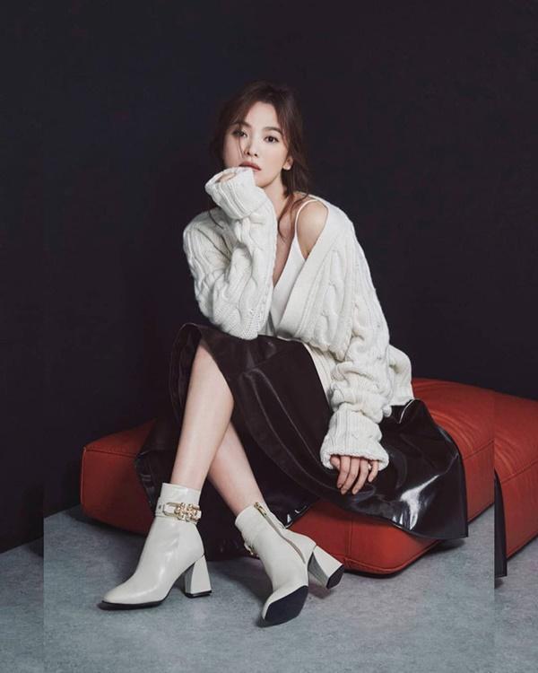 Phim rating kỷ lục giúp cả dàn sao đổi đời: Bae Yong Joon, Choi Ji Woo hóa ông hoàng bà chúa, Song Hye Kyo chưa thị phi bằng Á hậu tù tội-15
