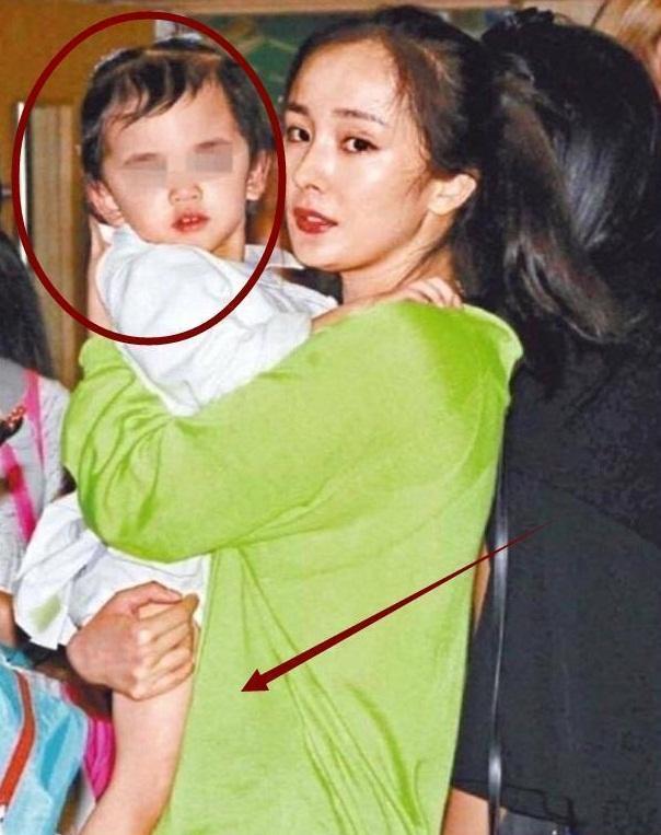 Lưu Khải Uy và Dương Mịch trở mặt vì con gái?-2