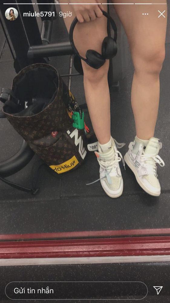 Không nói câu nào, Miu Lê đăng hình khoe chân nuột sau lời miệt thị cô bé đô con-4