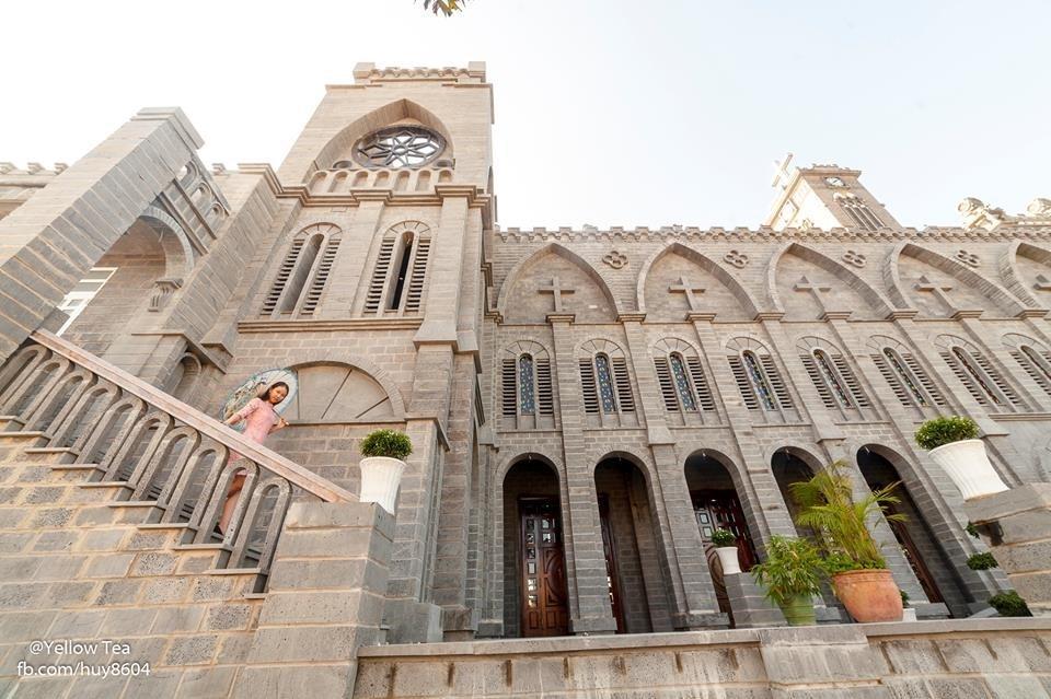 Lạc bước vào lâu đài cổ tích với những nhà thờ đẹp nhất 3 miền không phải ai cũng biết-12