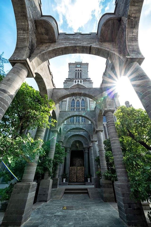Lạc bước vào lâu đài cổ tích với những nhà thờ đẹp nhất 3 miền không phải ai cũng biết-10