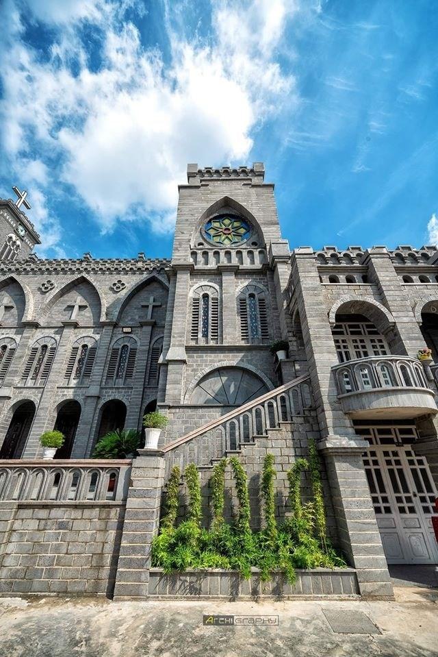 Lạc bước vào lâu đài cổ tích với những nhà thờ đẹp nhất 3 miền không phải ai cũng biết-14